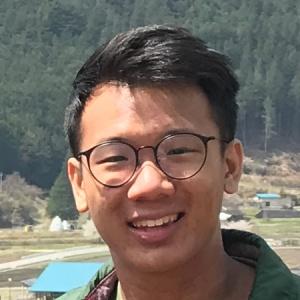 笑顔のシンガポール人男性