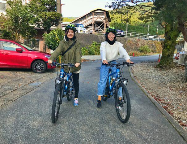 サイクリングツアーへ参加した女子旅2人組